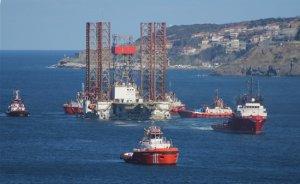 Dev petrol arama platformu Çanakkale Boğazı`ndan geçti