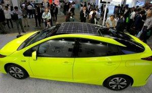Toyota'dan güneş çatılı otomobil