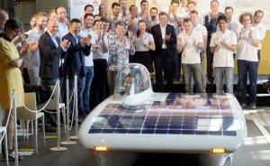 Öğrencilerden güneş enerjili araba!