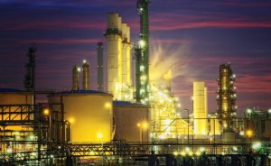 Shell, Pernis Rafinerisi'nde yangının yaralarını sarıyor