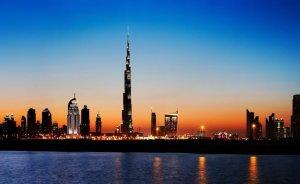 Dubai'de elektrikli otomobillere otoyol ve park bedava!