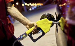 Benzin'e 9 kuruş zam