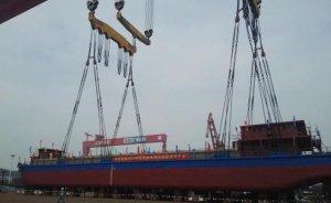 Çin dünyanın ilk elektrikli kargo gemisiyle kömür taşıdı