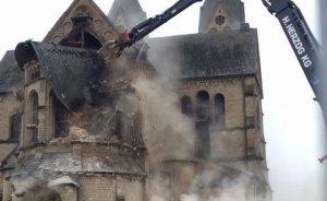 Almanya kömür için tarihi katedrali yıktı