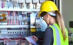 Enerji işinde çalışan kadınlar sektörden memnun