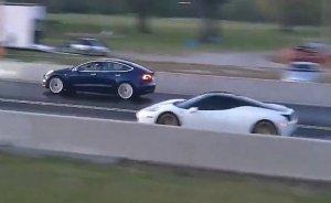 Tesla Ferrari ile girdiği yarışı kazandı