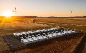 Tesla'nın devasa lityum-iyon bataryası daha da büyüyecek