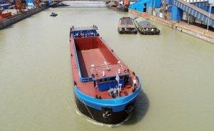 Elektrikli yük gemisi Çin'de deneme yolculuğu yaptı