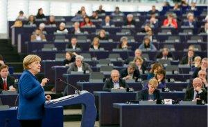 Alman siyasetçiler hükümeti Kuzey Akım-2'den çekilmeye zorluyor