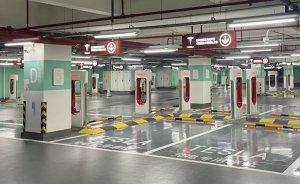 Tesla en büyük şarj istasyonunu Çin'de kurdu
