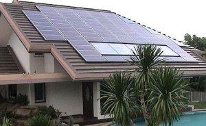 Evlere güneş panelli mantolama ABD`de zorunlu hale getirildi