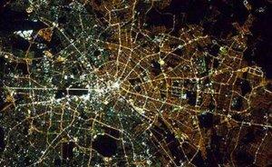Doğu ve Batı Berlin ışıklarından bellidir! - Haluk DİRESKENELİ yazdı