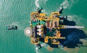 Çin, dev denizüstü petrol platformunun kurulumunu tamamladı