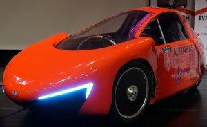 Üniversite ve lise öğrencileri elektrikli araçlarını yarıştırıyor