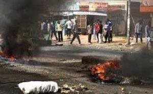 Sudan`da akaryakıt protestosu sürüyor!