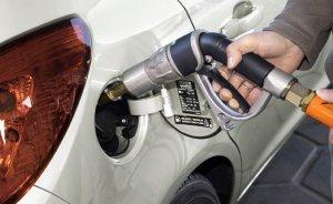 Mazot benzinle arayı kapatıyor