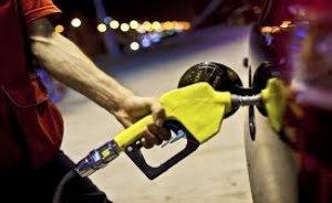 Benzin fiyatlarında indirim!