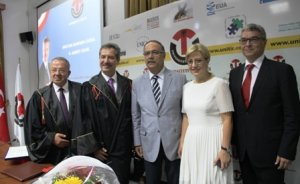 Arnavutluk`tan Ahmet Çalık'a fahri doktora