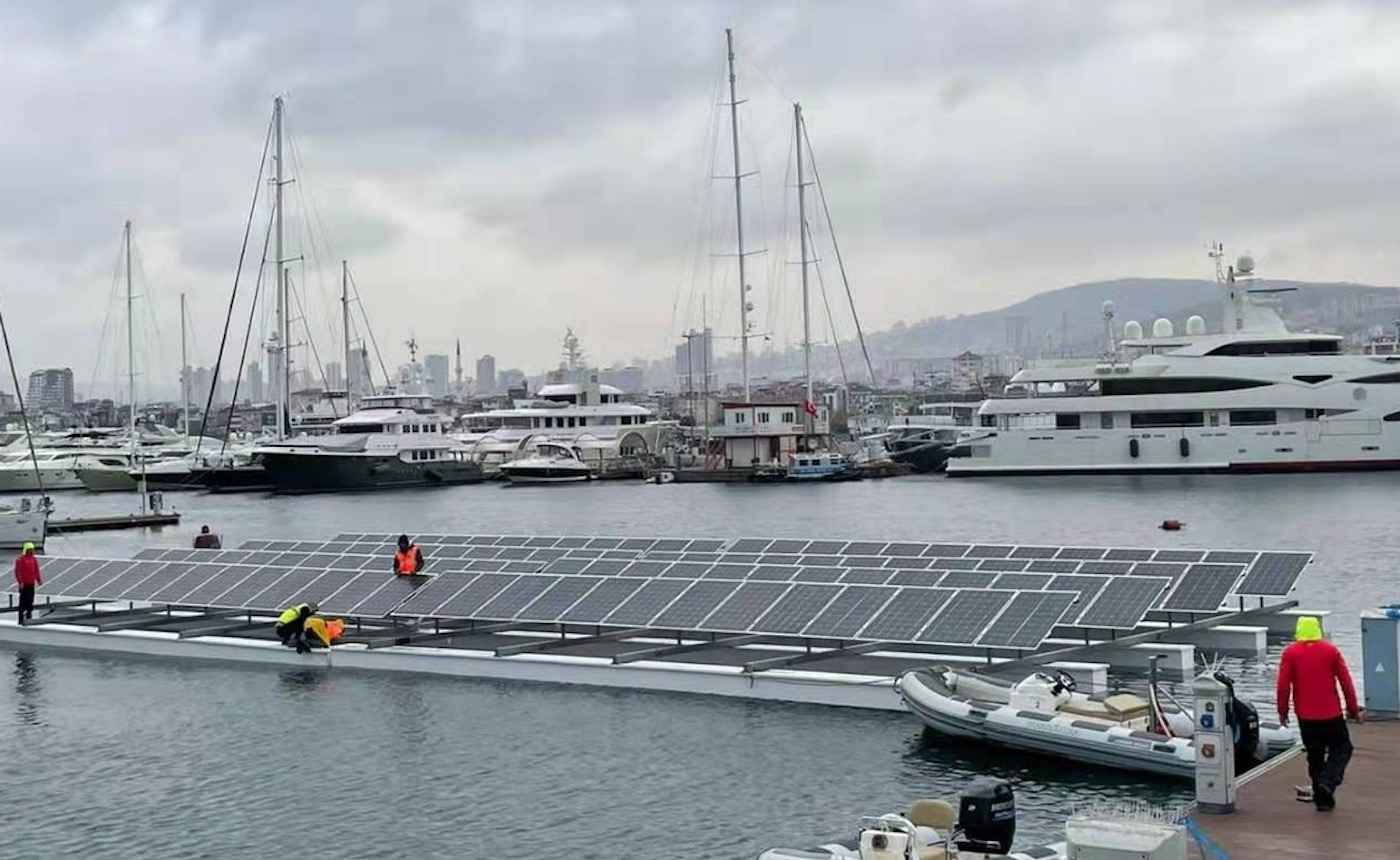 GTC Enerji'nin yerli tasarım yüzer GES'i Pendik Marina'da görücüye çıktı